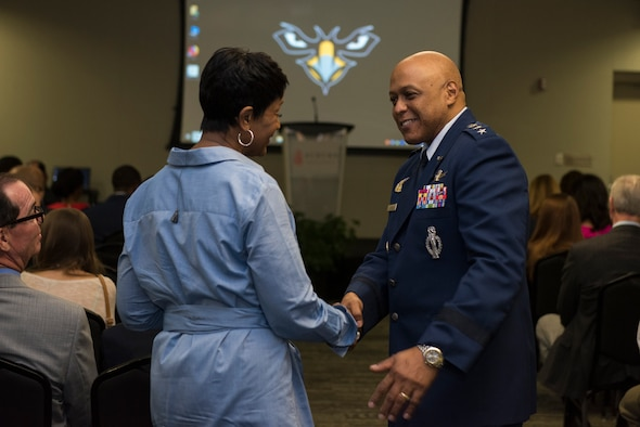 AU commander discusses innovation, future development with AUM, community leaders