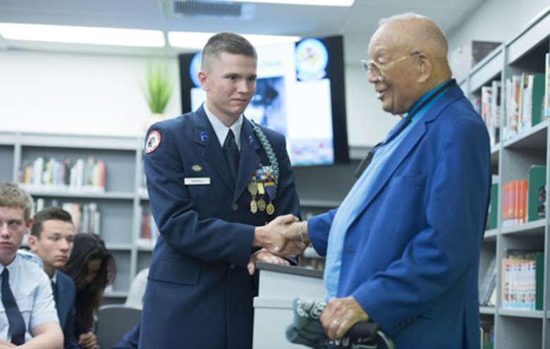 Tuskegee Airman talks diversity, Army opportunities with