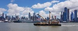 DCV HAYWARD transits New York Harbor alongside the USS Arlington LPD-24 during Fleet Week 2018