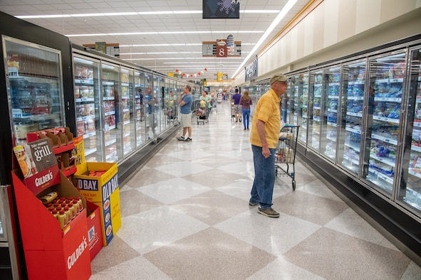Shoppers browse the Commissary May 15, 2018, at Hill Air Force Base, Utah. The store will close at 3 p.m. June 24 and remain closed through June 26 in order to reset of the entire sales floor. It will reopen at 9 a.m. June 27. (U.S. Air Force photo by R. Nial Bradshaw)