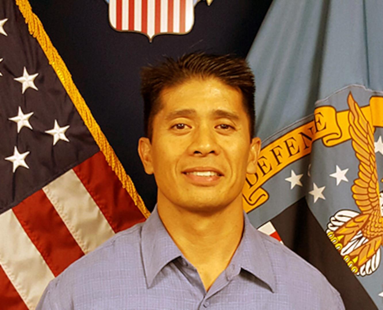 Lamberto Manzo, DLA Aviation -San Diego employee