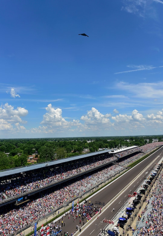 B-2 performs flyover before the 2018 Indianapolis 500