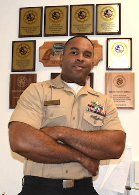 Petty Officer 1st Class Vincent Barnes, a Chicago native assigned to Navy Recruiting Station New Braunfels, Navy Recruiting District San Antonio, was honored in the Navy Recruiting Command's Recruiter Spotlight series.  Barnes is a graduate of Cordova High School in Memphis, Tenn., and joined the Navy in 2009.