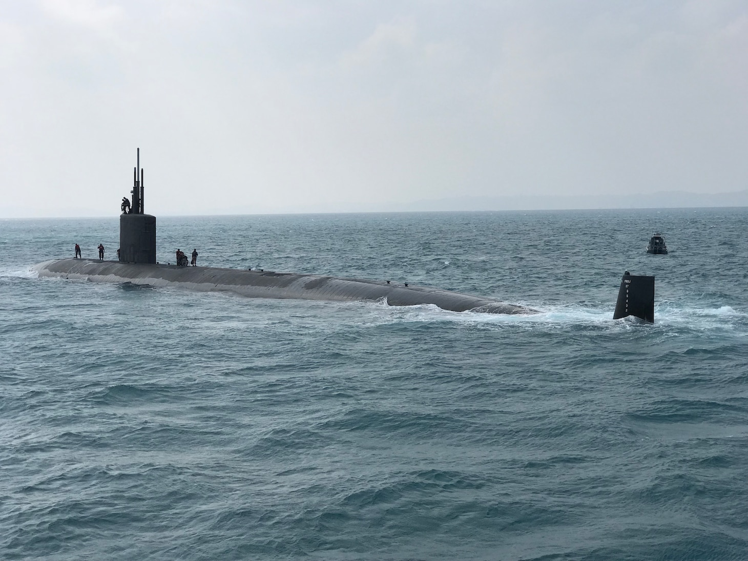 WATERS SOUTH OF JAPAN (Oct. 27, 2018) A Los Angeles-class fast attack submarine is participating in Exercise Keen Sword with Submarine Group 7 and Japan Maritime Self-Defense Force (JMSDF) Sailors and staff. Keen Sword, which began Oct. 29, is a joint/bilateral training exercise between the U.S. military and their JSDF counterparts. For the submarine force, it is an opportunity to demonstrate how both countries' submariners would detect, locate, track and engage enemy assets.