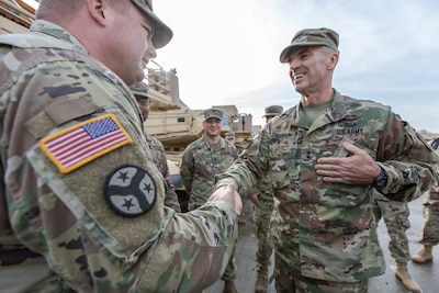 Maj. Gen. John Gronski visits Battle Group Poland
