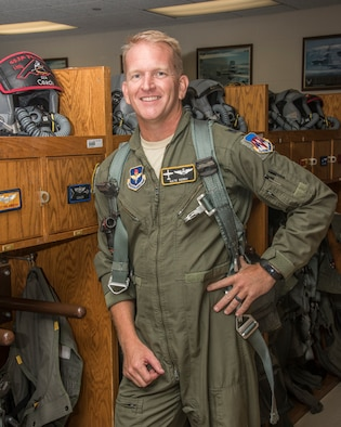 Lt Col Perry