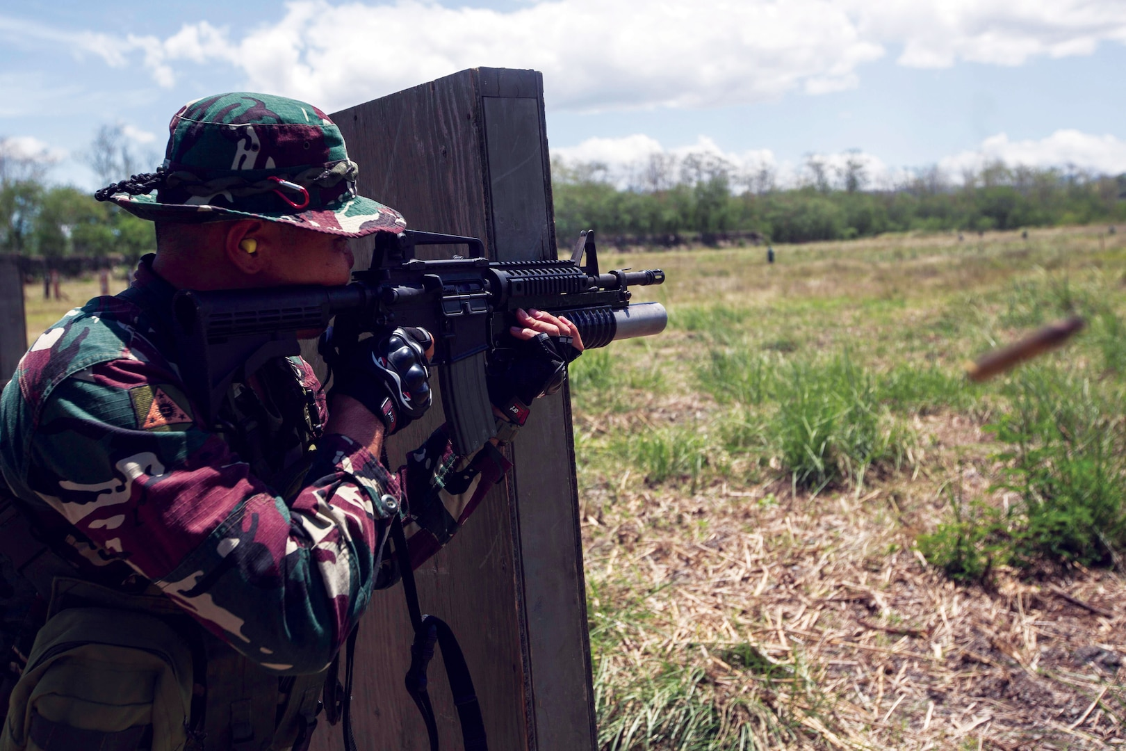 In May 2017, a Filipino solder participates counterterrorism training in the U.S.—Philippines Balikatan Military Exercise at Fort Magsaysay in the Philippines. (U.S. Marine Corps/Matthew Casbarro)