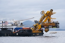 Undersea Rescue Command completes submarine rescue exercise off Alaska