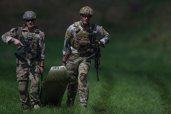Pararescuemen practice personnel recovery mission during PJ Rodeo Competition near Patrick Air Force Base, Florida, September 20, 2016 (U.S. Air Force/Brandon Shipiro)