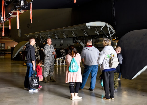 Military Families visit Sheppard Air Force Base