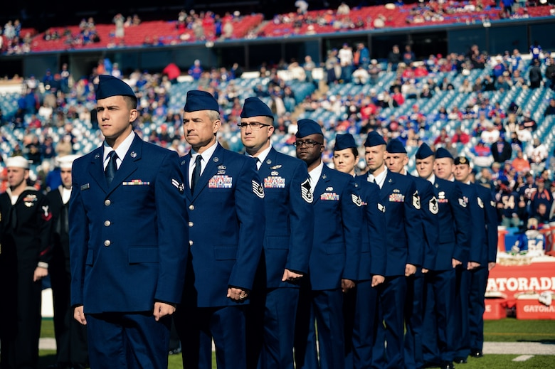 Buffalo Bills Kick Off with Ceremony for N.Y. Service Members