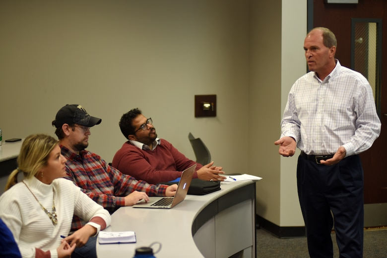 Mike Abernathy, U.S. Army Corps of Engineers Nashville District Real Estate Division chief, talks to Middle Tennessee State University students about career opportunities and federal benefits with the Corps of Engineers while participating in the Guaranty Trust Real Estate Speaker Series Nov. 7, 2018 on campus at the Business and Aerospace Building. (USACE photo by Lee Roberts)
