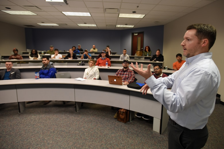 Myles Barton, U.S. Army Corps of Engineers Nashville District Real Estate Division's chief of Management and Disposal Branch, talks about career opportunities that exist with the Corps of Engineers with land management while participating in the Guaranty Trust Real Estate Speaker Series Nov. 7, 2018 on campus at the Business and Aerospace Building. (USACE photo by Lee Roberts)