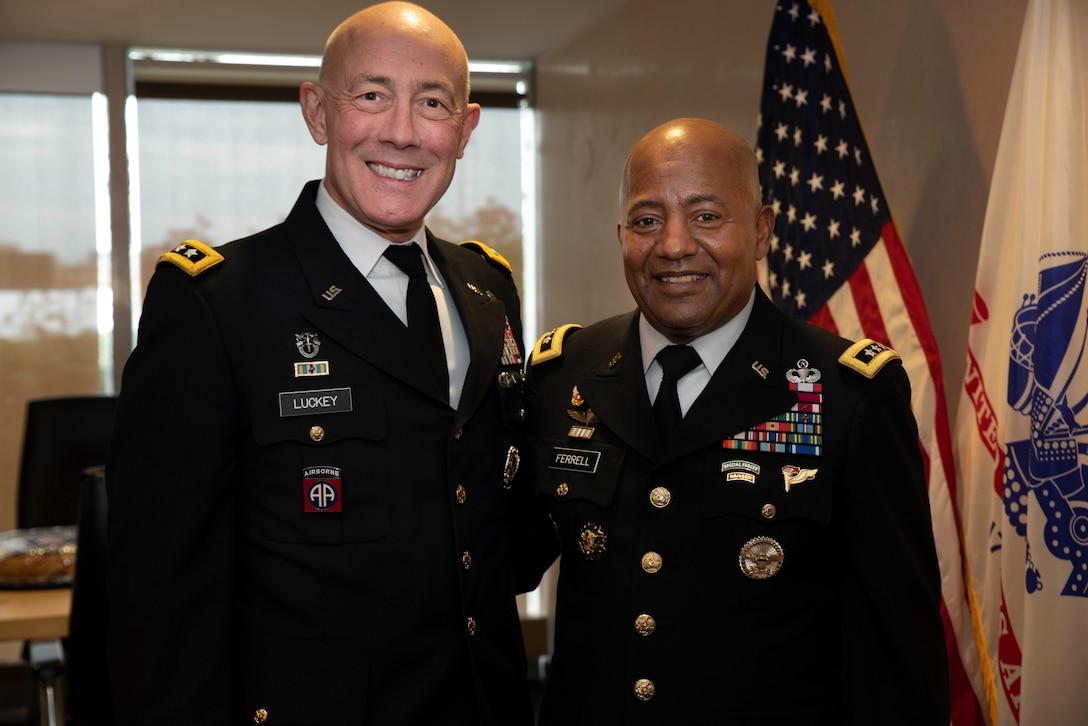 Senior leaders mentor future force