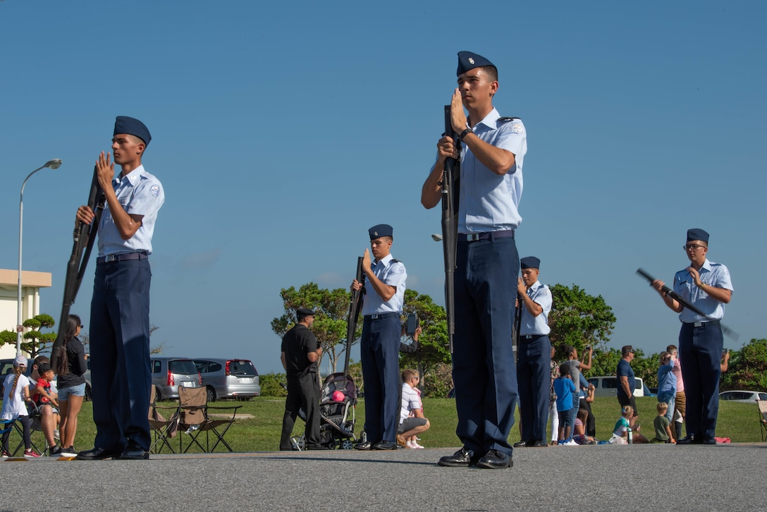 Kadena hosts Veteran's Day Parade