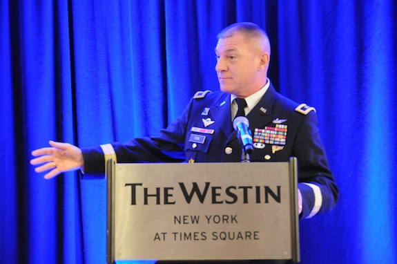 Army Reserve general rallies with veterans at corporate event
