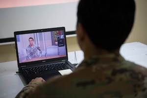 Airmen learn with virtual reality