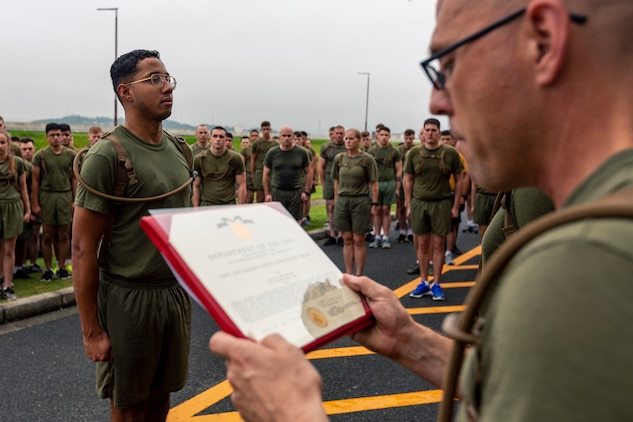 Marine earns award for lifesaving actions in Bali