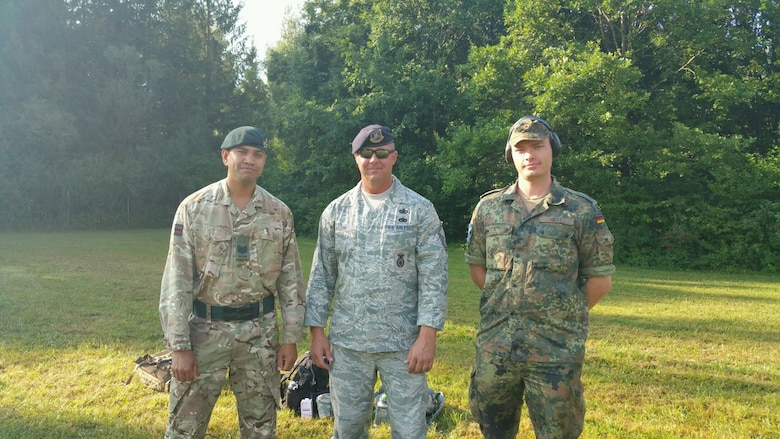 Reserve defenders take first place at int'l military competition