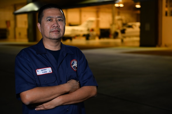 "Gerry Yung, 47th Maintenance Directorate aircraft electronics mechanic, was chosen by wing leadership to be the ""XLer"" of the week, for the week of Sept. 24, 2018, at Laughlin Air Force Base, Texas. The ""XLer"" award, presented by Col. Charlie Velino, 47th Flying Training Wing commander, is given to those who consistently make outstanding contributions to their unit and the Laughlin mission. (U.S. Air Force photo by Senior Airman Benjamin N. Valmoja)"