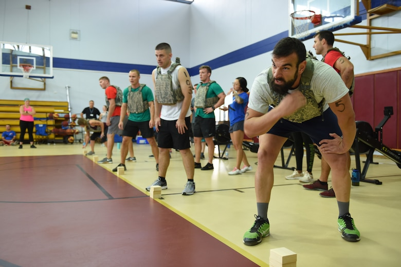 Contestants prepare to compete in the shuttle run during the Incirlik Throw Down CrossFit competition at Incirlik Air Base, Sept. 29, 2018.