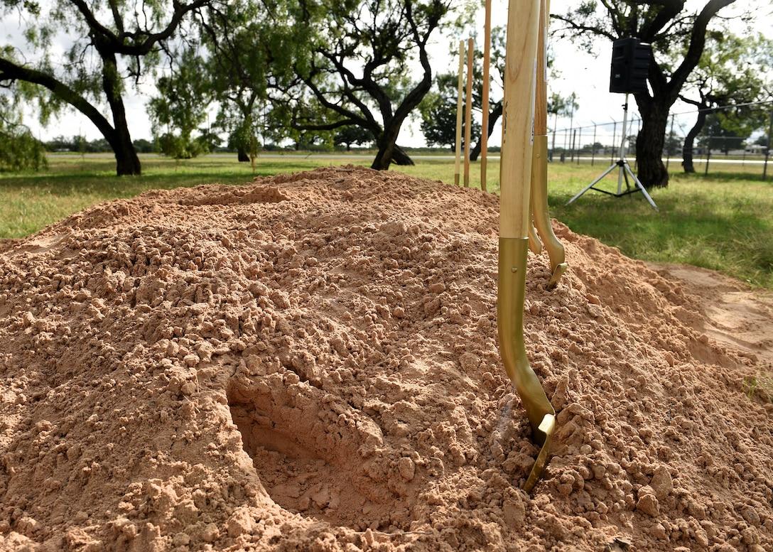 Abilene community, Dyess leadership conduct memorial park groundbreaking