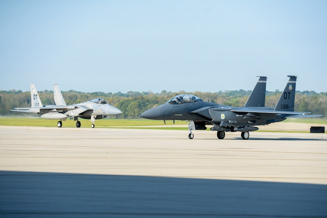 Aircraft Use Wright-Patterson AFB As Safe Haven