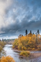 Fall along the Rogue River