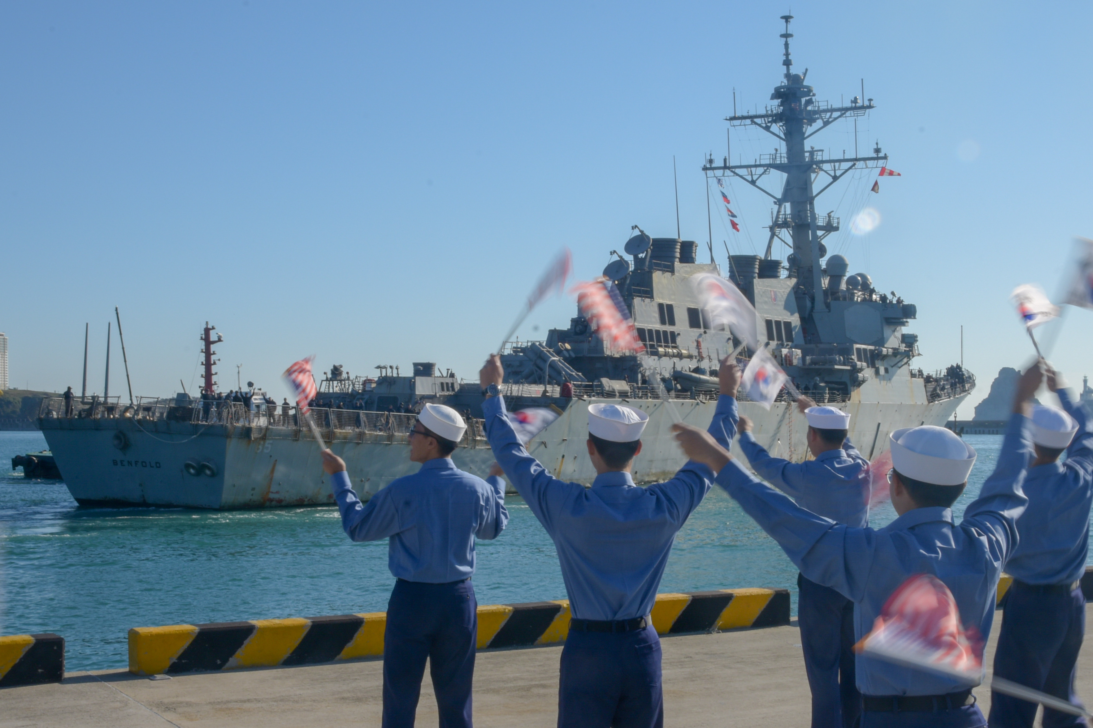 The Ticonderoga-class guided-missile cruiser USS Chancellorsville and the Arleigh Burke-class guided-missile destroyer USS Benfold (DDG 65) arrived to Busan, South Korea, Oct. 12.