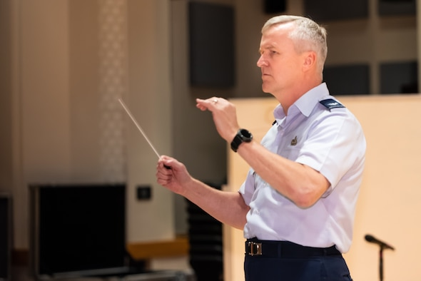Col Lang conducts the Concert Band in preparation for the 2018 Fall Concert Tour