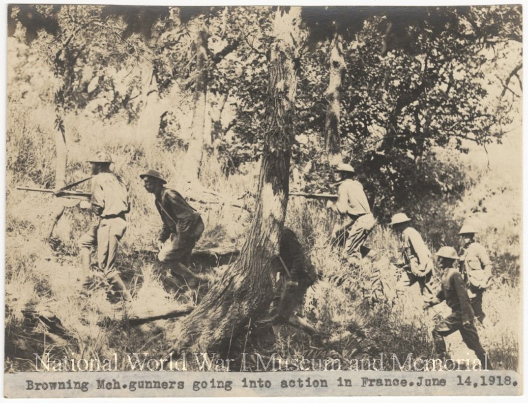 American machine-gunners going into action in France during World War l.