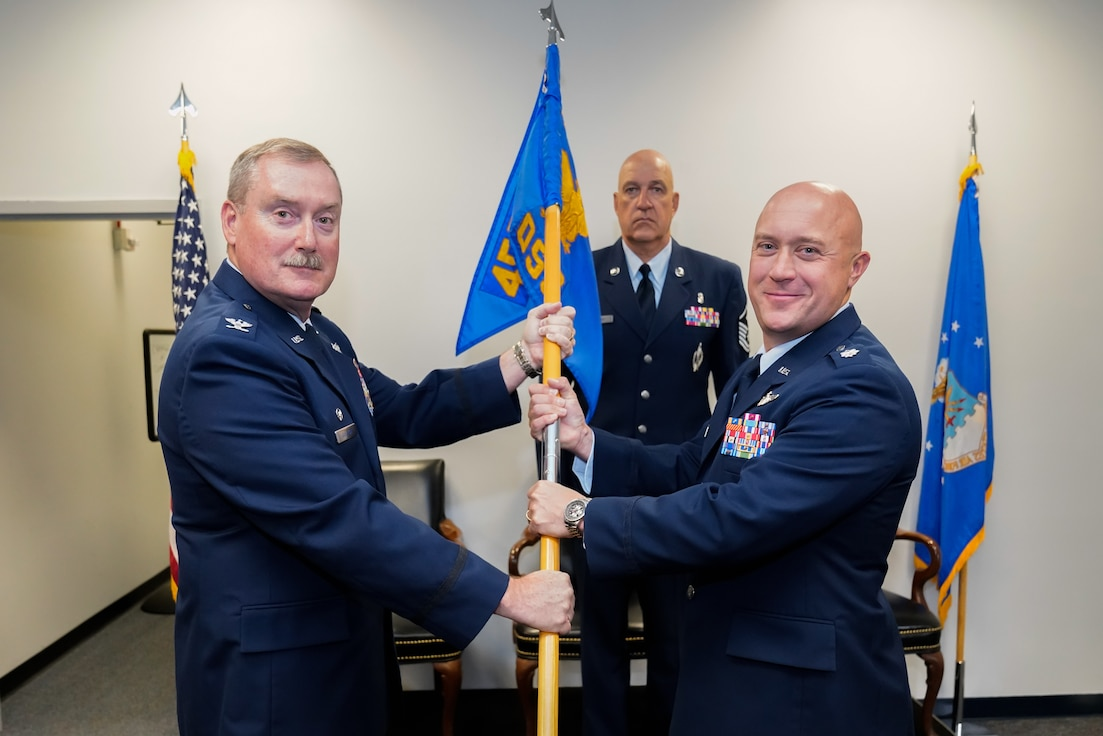 Fisher assumes command of 459 OSS