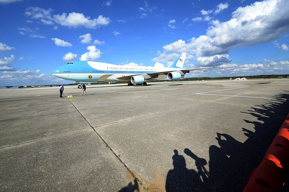 President lands at Robins
