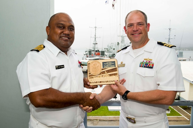 USS Shoup departs Fiji following port visit