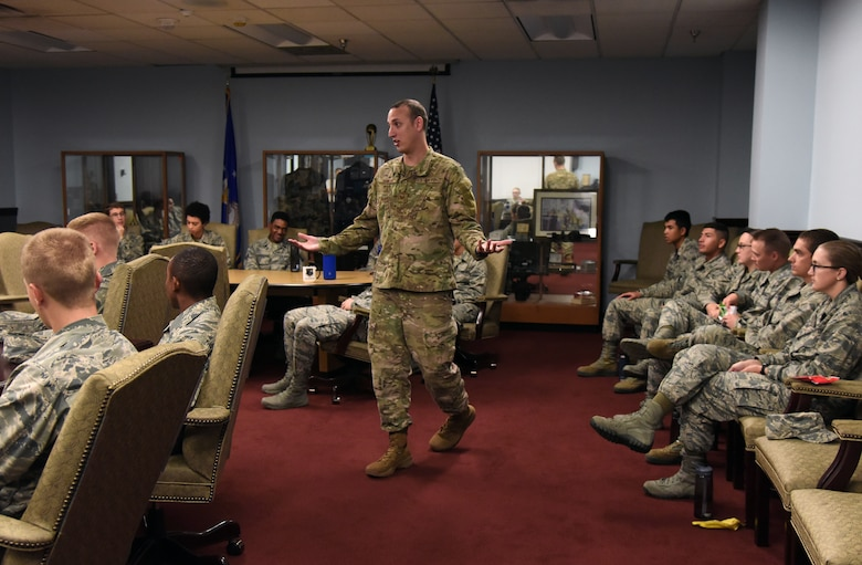 U.S. Air Force Tech. Sgt. Alex Rowley, 335th Training Squadron instructor, speaks to Airmen about resiliency during Wingman Day inside the Weather Training Complex on Keesler Air Force Base, Mississippi, Oct. 18, 2018. Wingman Day focused on the physical domain, resiliency and team-building initiatives across the base. (U.S. Air Force photo by Kemberly Groue)