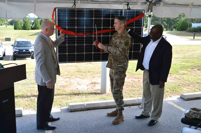 The project included the installation of 5,865 solar panels in 284 homes, accumulating an approximate 40 percent offset of total annual electrical consumption. A first for military housing in the state of South Carolina, the project solidifies the state as eighth in the nation for installed solar power capacity.