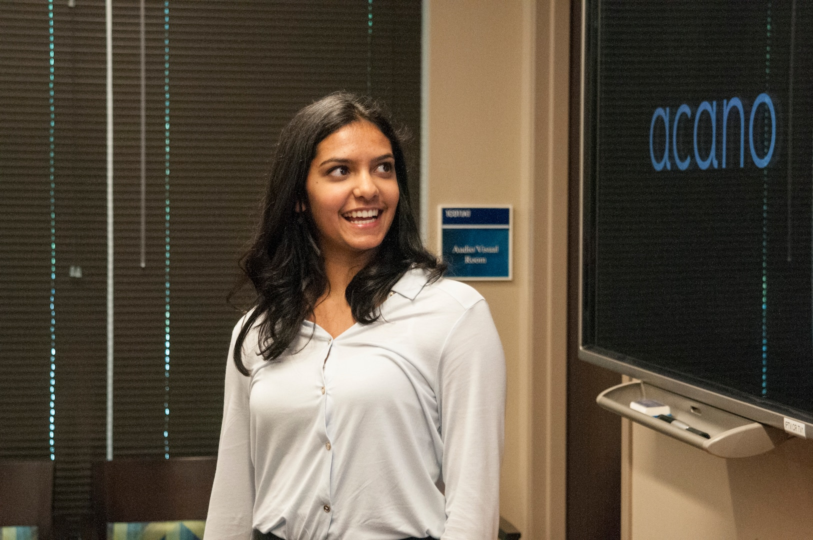 Rucha Joshi presents her work, 'Determining Network Robustness Using Region Based Connectivity.'