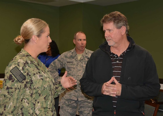 Customer Operations director hosts New Commanders' Round Robin