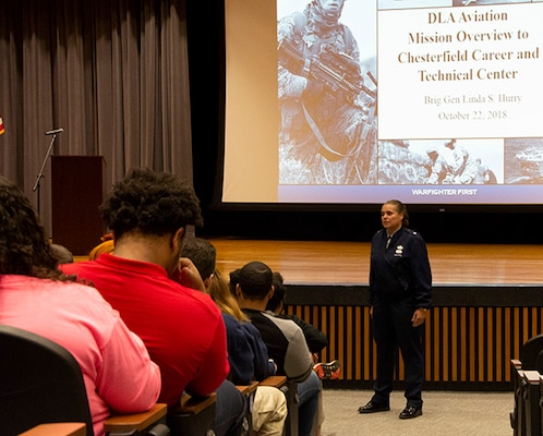 Commander speaks with county students about DLA careers