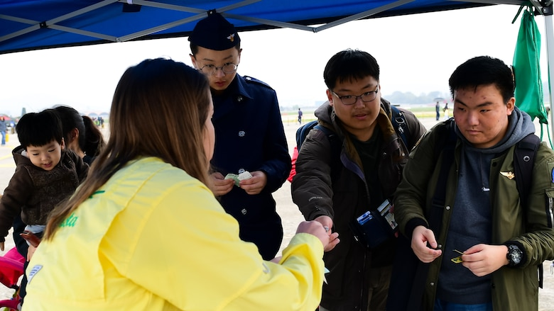 A-10 Thunderbolt II visitors purchase patches, T-shirts, stickers and other souvenirs at the Gyeongnam Sacheon Air Expo at Sacheon Air Base, Republic of Korea, Oct. 26, 2018.