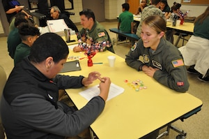 Students interview veterans for class project