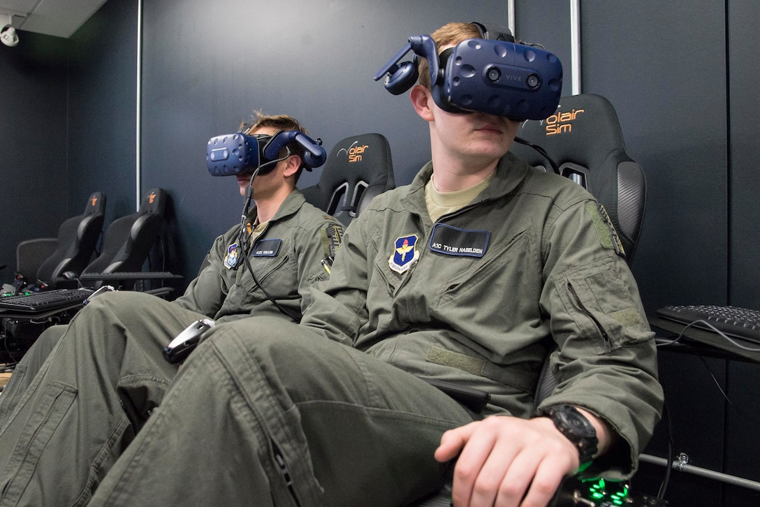 Pilot Training Next students train on virtual reality flight simulator at Armed Forces Reserve Center in Austin, Texas, June 21, 2018 (U.S. Air Force/Sean M. Worrell)