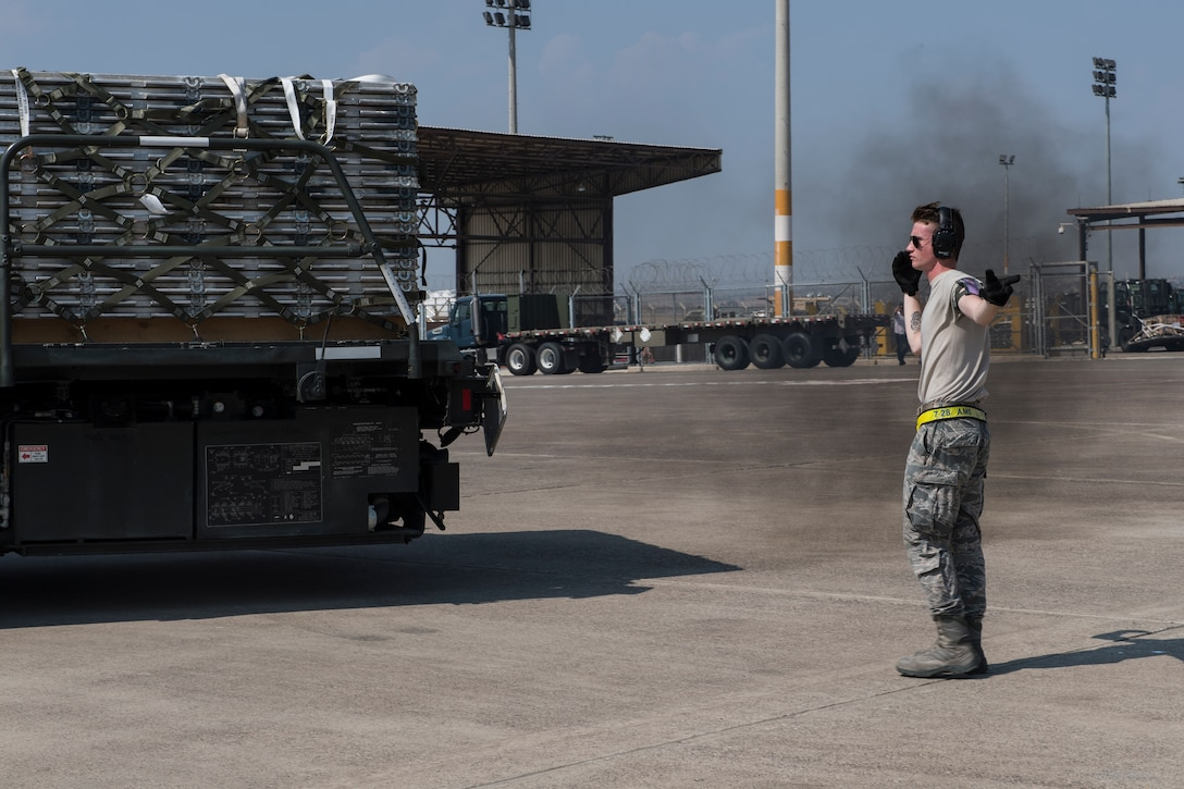 728th Air Mobility Wing aerial porter, unloads imported shipments at Incirlik AB