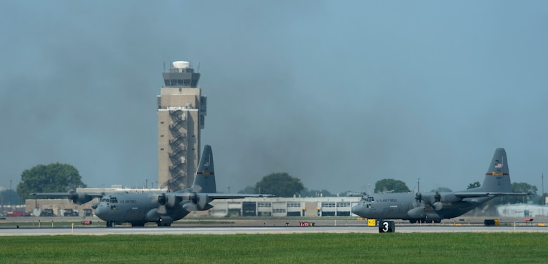 U.S. Air Force C-130 Hercules' from 109th Airlift Squadrons taxis to the runway in St. Paul, Minn., Aug. 8, 2018.