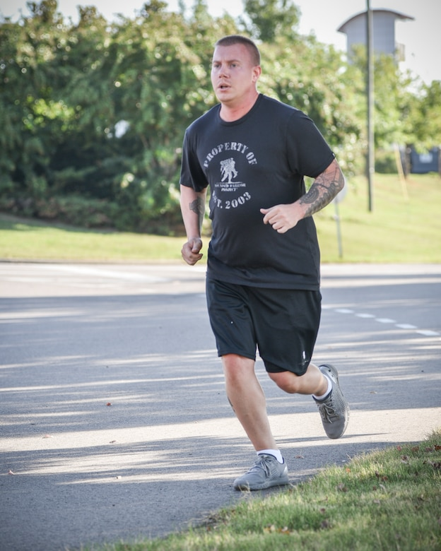 117 ARW Holds Run for Veterans