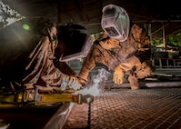 WELDING FENCES