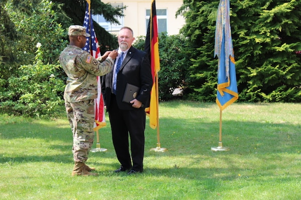 DLA Troop Support Europe & Africa employees recognized for excellence