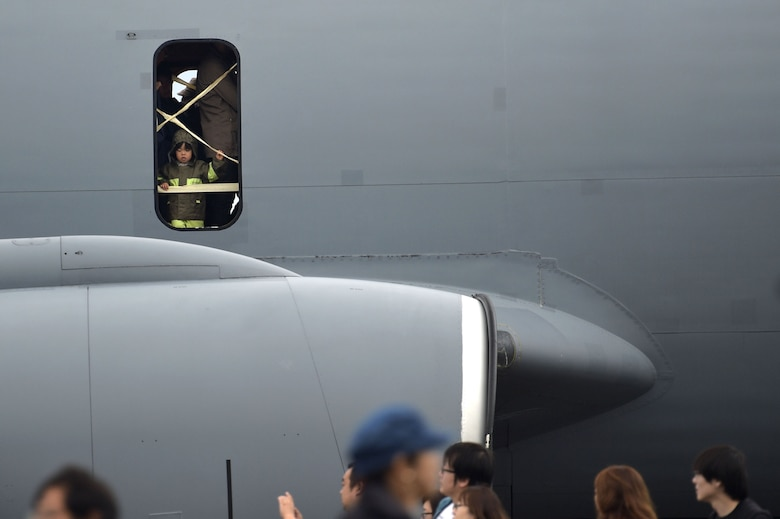 Peeking out a KC-135