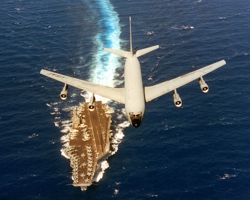 A 141st Air Refueling Wing KC-135 flies over the USS Abraham Lincoln during a RIMPAC exercise June 2-19, 2000. (U.S. Air Force courtesy photo)
