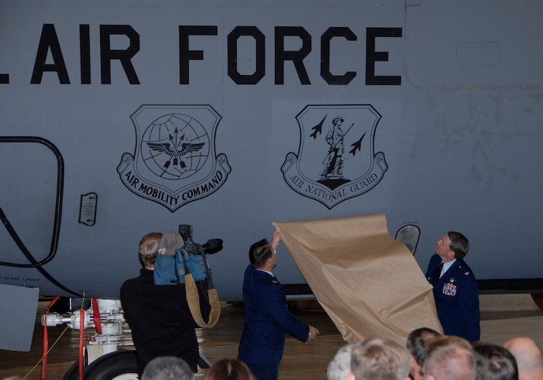The 92nd and 141st Air Refueling Wing celebrated Total Force association as the wings combined efforts Oct. 1, 2007. (U.S. Air Force courtesy photo)